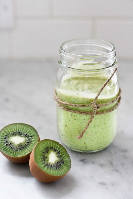 avocado-kiwi-smoothie